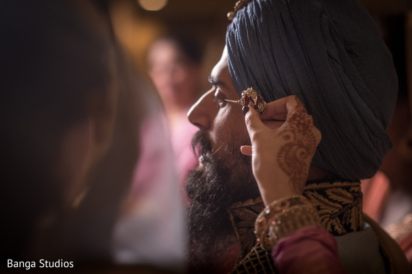 Groom Getting Ready in New Rochelle, NY Sikh Wedding by Banga Studios
