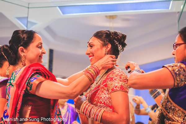 Getting ready in Hartford, CT Indian Wedding by Manish and Sung Photography