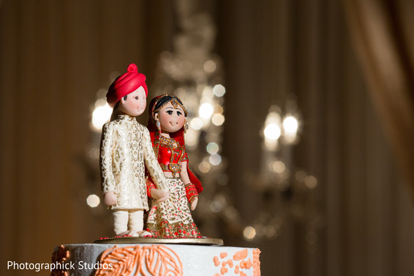 cake topper,wedding cake topper,indian wedding cake topper,indian cake topper