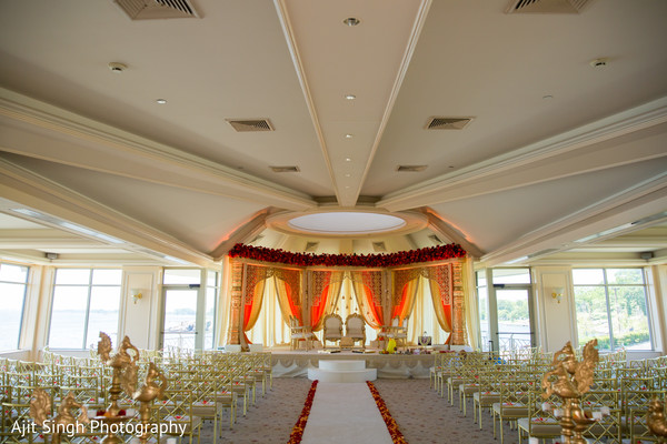 Mandap in New Rochelle, NY Indian Fusion Wedding by Ajit Singh Photography