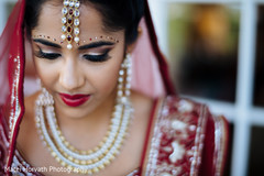 indian bride makeup,indian wedding makeup,indian bridal makeup,indian makeup,makeup,hair and makeup,indian wedding jewelry,indian bridal jewelry,indian jewelry,indian bridal jewelry sets,jewelry,tikka,bridal tikka,wedding tikka