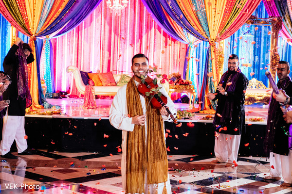 Mehndi party in Dallas, TX South Asian Wedding by VEK Photo