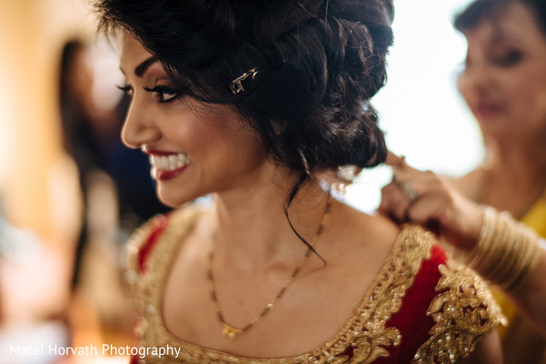 Gold jewelry in Somerset, NJ Sikh Wedding by Matei Horvath Photography