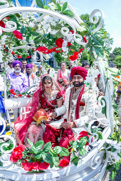 Indian Wedding Carriage in Mahwah, NJ Sikh Wedding by House of Talent Studio