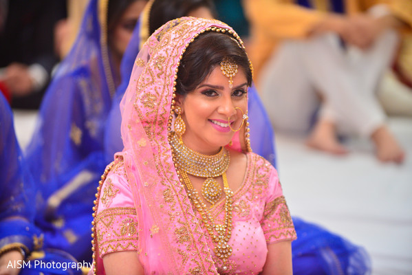 Punjabi Wedding Bride in Chantilly, VA Hindu & Sikh Wedding by AISM Photography