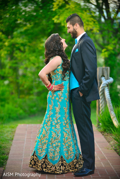 Indian Bride and Groom Outdoor in Chantilly, VA Hindu & Sikh Wedding by AISM Photography