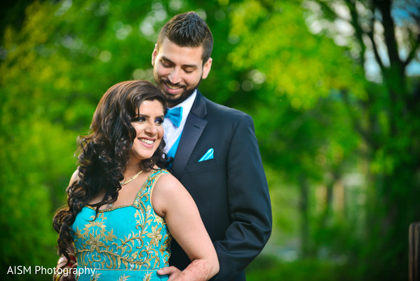 Indian Bride and Groom Outdoor Photography in Chantilly, VA Hindu & Sikh Wedding by AISM Photography