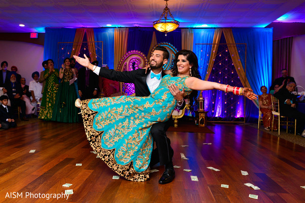 Indian and Bride and Groom First Dance in Chantilly, VA Hindu & Sikh Wedding by AISM Photography