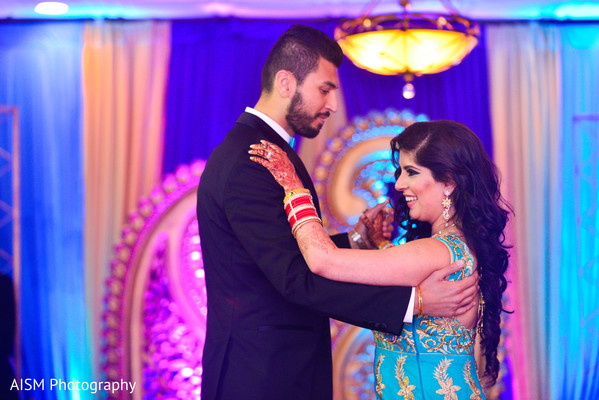Indian Bride and Groom First Dance in Chantilly, VA Hindu & Sikh Wedding by AISM Photography