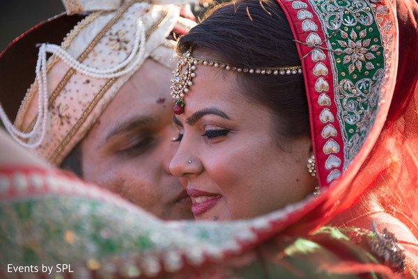bridal jewelry,indian couple,indian wedding