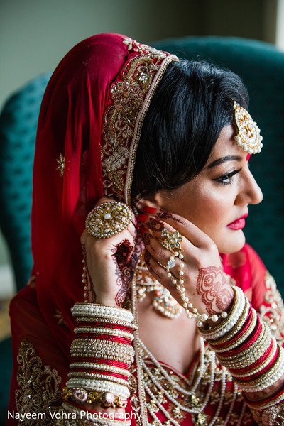 Indian bride getting ready in Piermont, NY South Asian Wedding by Nayeem Vohra Photography