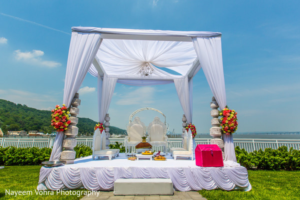 Indian wedding mandap in Piermont, NY South Asian Wedding by Nayeem Vohra Photography