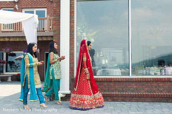 Lengha choli for Indian bride in Piermont, NY South Asian Wedding by Nayeem Vohra Photography