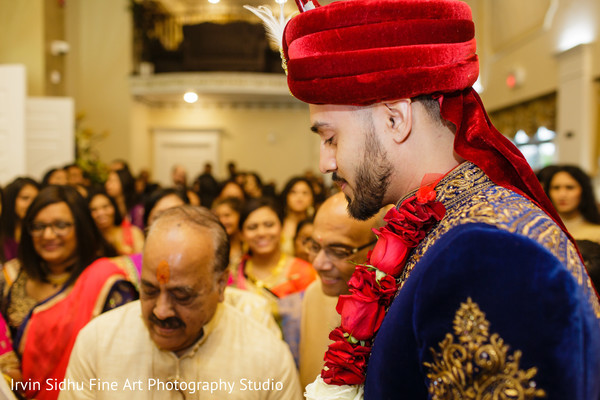 Brides family welcoming the groom in Brampton, ON Indian Wedding by Irvin Sidhu Fine Art Photography Studio