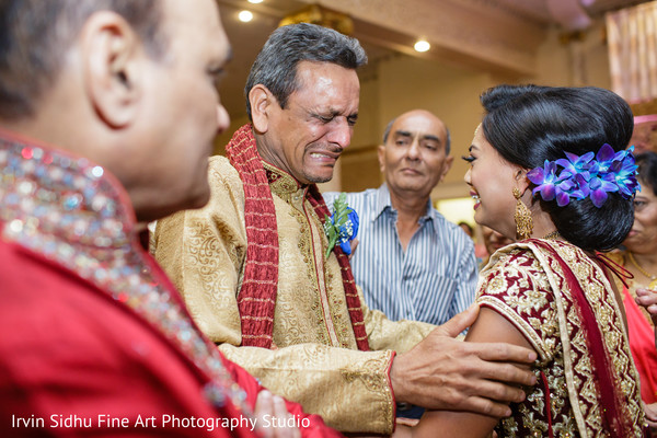 Emotional moment at indian wedding ceremony in Brampton, ON Indian Wedding by Irvin Sidhu Fine Art Photography Studio