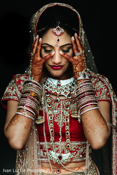 See the beautiful makeup for this Indian bride in Playa del Carmen Playa del Carmen Destination Indian Wedding by Ivan Luckie Photography