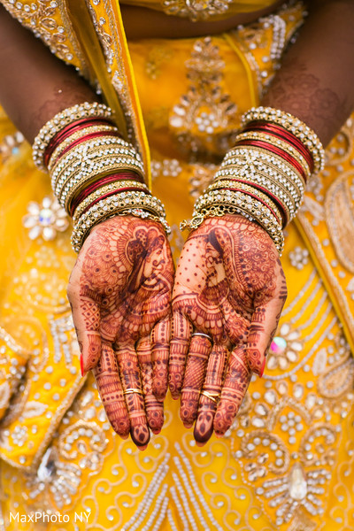 Bridal churi, jewelry in Richmond Hill, NY Indian Wedding by MaxPhoto NY
