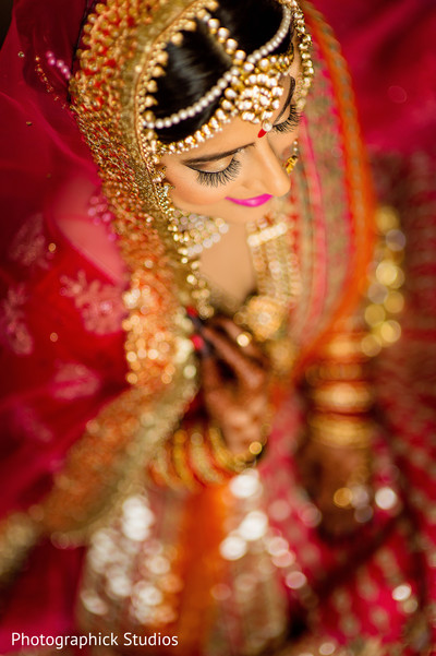 indian bride make up,indian bridal photography,indian bride photo shoot