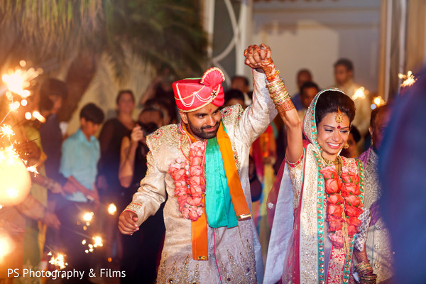 Vadaii with family in Palm Bech, FL Indian Wedding by PS Photography & Films