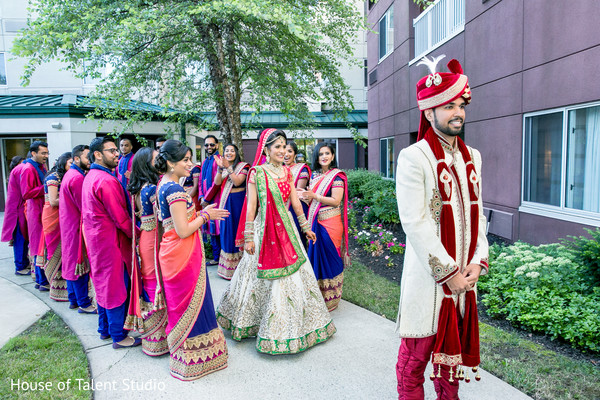 indian wedding photography,indian bride and groom,indian groomsmen,indian bridesmaids