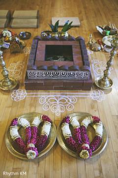 traditional indian wedding,indian wedding traditions,indian wedding traditions and customs,indian wedding tradition,traditional indian ceremony,traditional south indian ceremony,south indian wedding ceremony,south indian wedding,south indian ceremony,havan,hawan,varmala,varmalas,garlands
