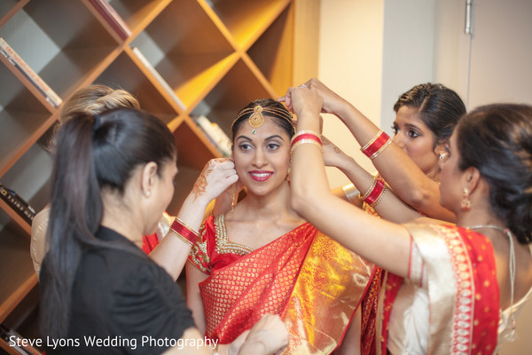 Bride Getting Ready in Columbus, Ohio Indian Wedding by Steve Lyons Wedding Photography