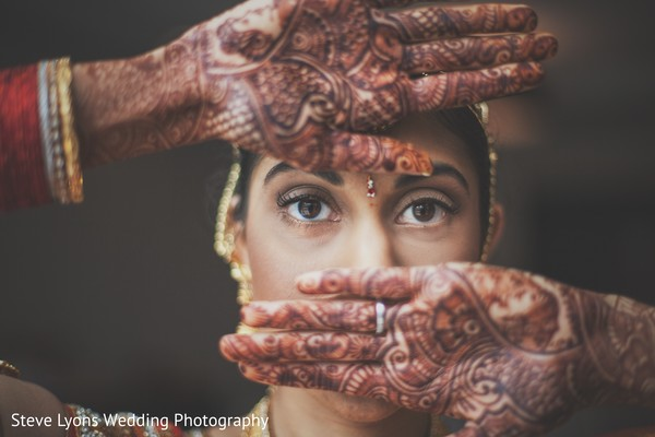 Bridal Henna in Columbus, Ohio Indian Wedding by Steve Lyons Wedding Photography