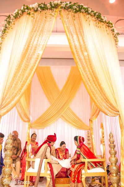 indian wedding ceremony,mandap,indian wedding ceremony floral and d?cor