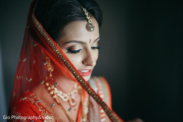 indian bride portrait,indian bride,indian bridal make up