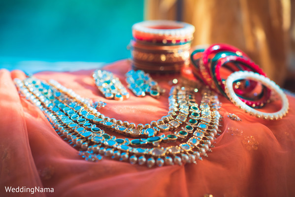 bride jewelry set photograph,indian bridal jewelry,indian bride
