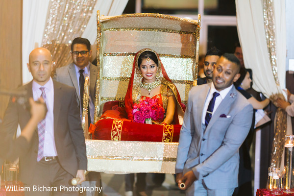 indian bride entrance,venue entrance,new bride,bride introduction