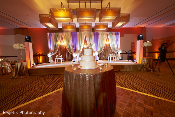 indian wedding reception,reception stage,indian wedding cakes