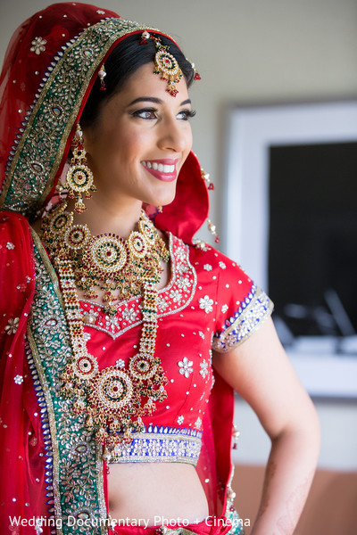 indian bridal jewelry,indian bride,indian bride hair and make-up