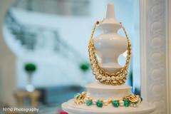 indian wedding jewelry,indian bridal jewelry,south asian bridal jewelry,anita dongre bridal jewelry,kundan jewelry,indian wedding jewelry sets,anita dongre kundan jewelry set