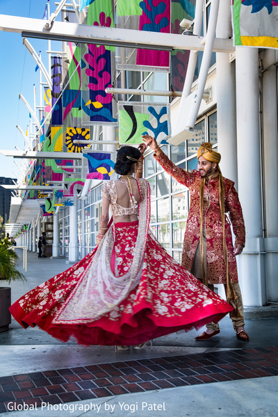 indian bride and groom,indian wedding gallery,indian wedding photography