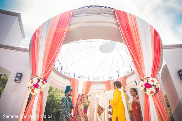 indian wedding ceremony,indian wedding details,indian wedding mandap