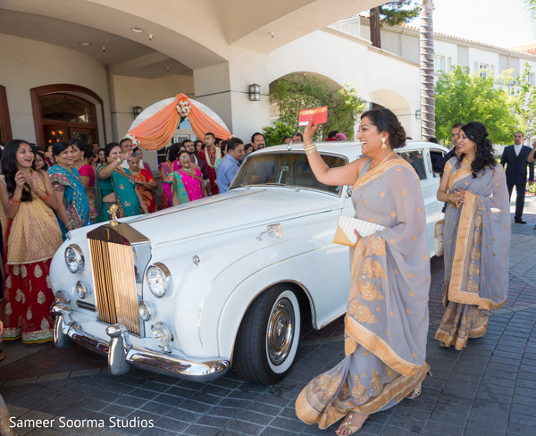 indian wedding transportation,indian wedding ceremony photography