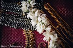 indian wedding jewelry,indian bridal jewelry,indian wedding necklace,gold indian wedding jewelry,jewelry set,south asian bridal jewelry