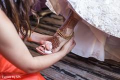 indian bridal mehndi,indian bridal henna,indian wedding henna,indian wedding mehndi,mehendi,mehndi on feet,badgley mischka heels,badgley mischka bridal shoes