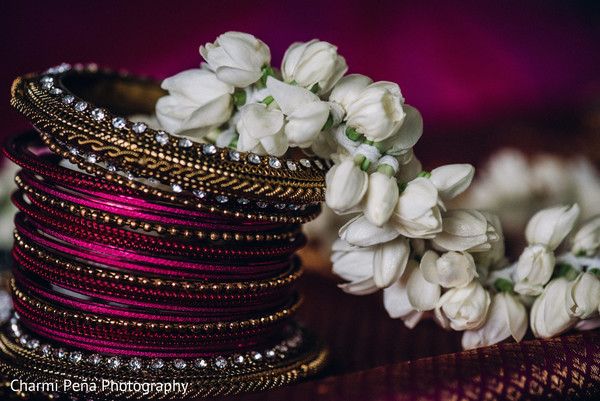 indian wedding bangles,indian bridal bangles,indian church wedding,bridal churi,indian wedding jewelry,jasmine flowers,flowers,south indian bridal bangles