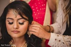 bride getting ready, indian bride getting ready, getting ready images, getting ready photography, getting ready