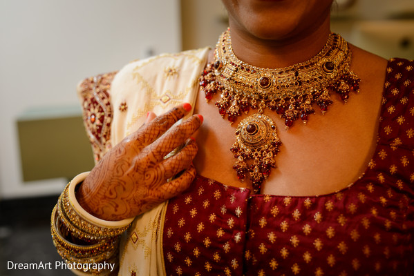indian bridal jewelry,bride jewelry set photography