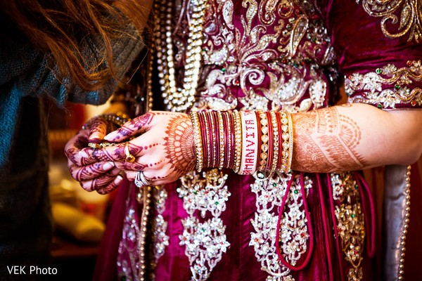 indian bride getting ready,indian bride accesories