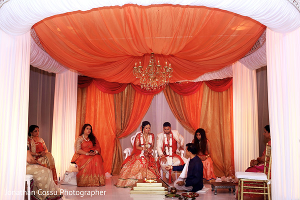 indian wedding,indian wedding portraits,south asian wedding portraits,indian bride,indian bride and groom wedding day portrait