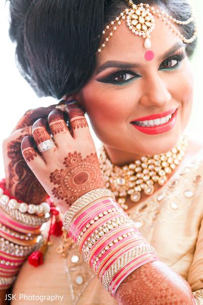 indian bride getting ready,sikh bride getting ready