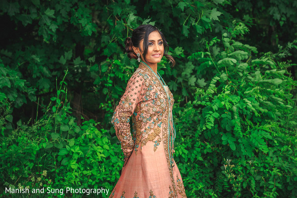 indian bride,indian wedding portrait,indian bridal fashions
