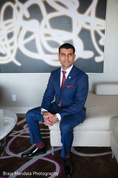 Handsome indian groom in an elegant blue suit. | Photo 86264