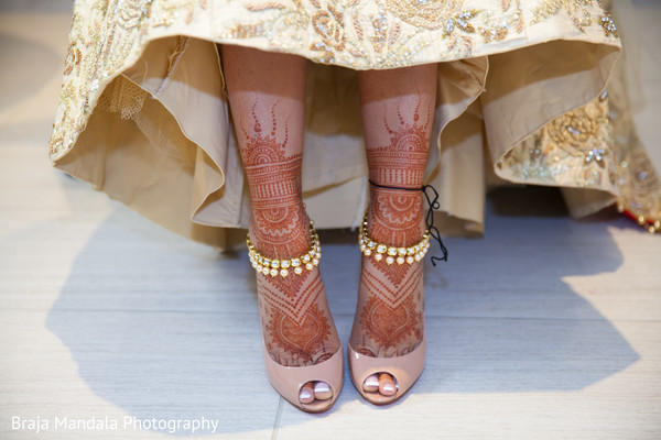indian wedding shoes,indian bridal fashions,indian wedding mehndi