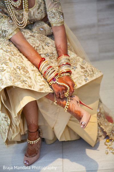 indian bride,indian bridal fashions,indian wedding shoes