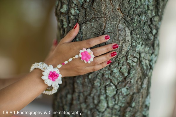 Floral bridal hand jewelry for vidhi and saatak